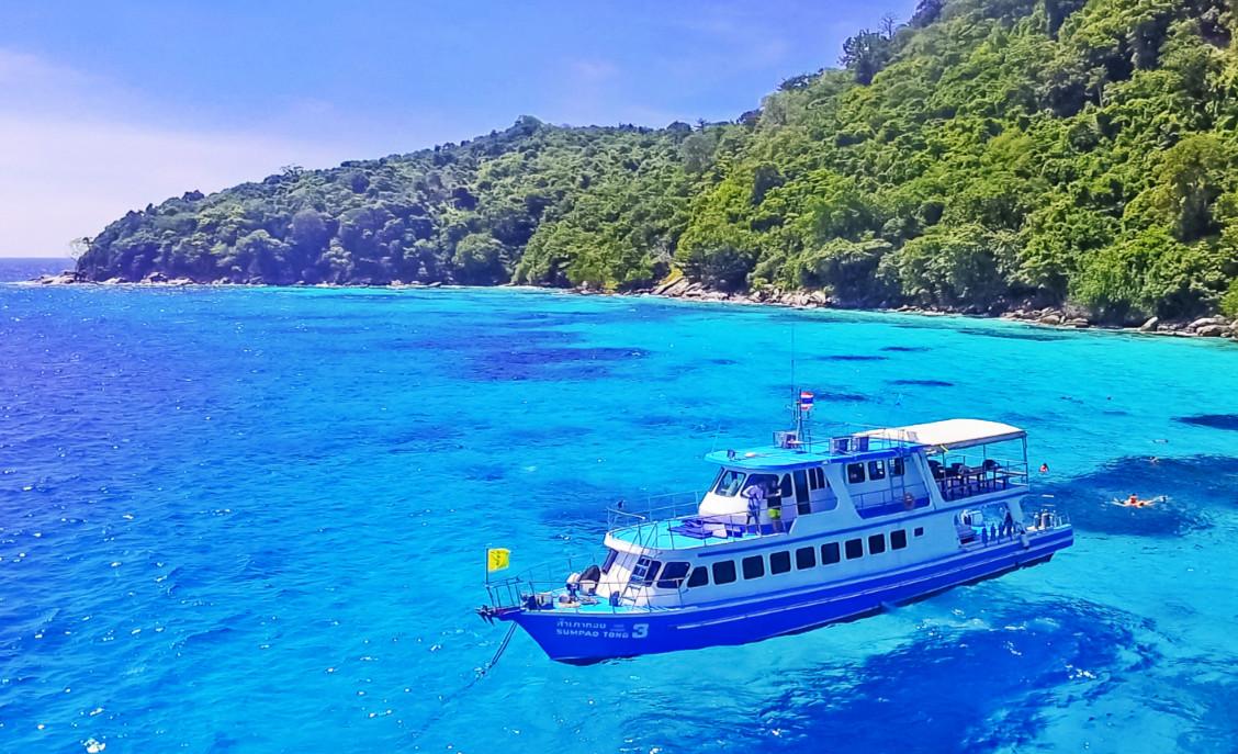 大皇帝岛曾是泰国王室度假的专属海岛,氛围悠闲,没有太多需要奔波的