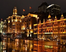 Shanghai Evening City Lights & Huangpu River Cruise Tour (Private)
