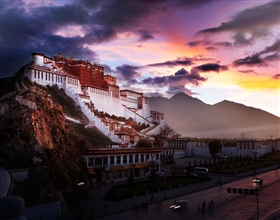 [4-Day Tour] Lhasa Holy City (Group, with local hotel)