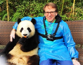 [1-Day Tour] Dujiangyan Panda Base Volunteer Program (Small Group, depart Chengdu, includes lunch)