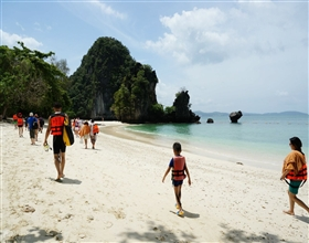 [Half-Day Tour] Hong Island by Speedboat (Group, includes lunch)