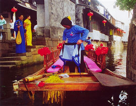 [2-Day Tour] Suzhou Classical Gardens & Luzhi Water Town (Private, includes lunch)<br>[Visa Exclusive 2017]