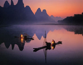 [Half-Day Tour] Li River Bamboo Boat Trip in Yangshuo (Private, includes lunch)